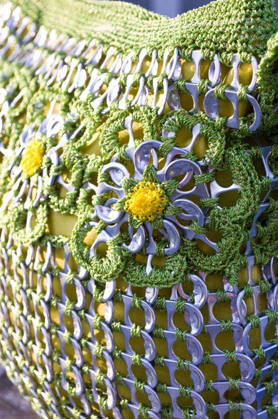 Upcycled Citrus Green with Gold Crochet Pop Tab Purse por Flor7