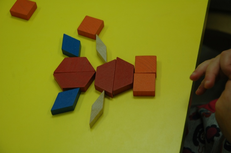Pattern Block Animals! We read COLOR ZOO by Lois Ehlert to go along with this activity