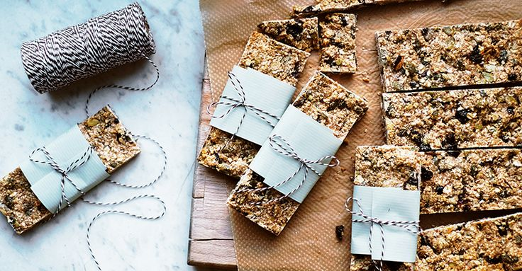 Granola Bars. Recipe, food styling & photography: Louise Ljung