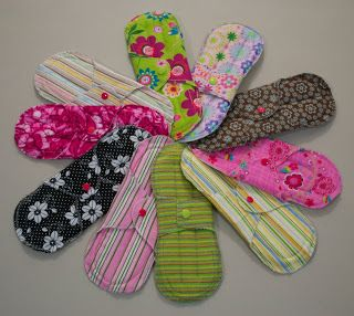 Sew in Peace: Feminine Cloth Pad Tutorial *I like this pattern too!***CW