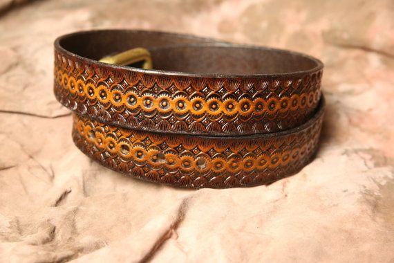 Cinturón de cuero fileteado  Medida 1 1/2 de cuero de la