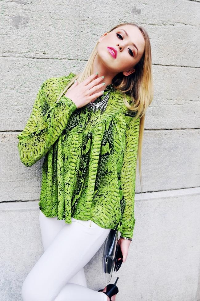 Green Animal Print Smock Top on http://lolobu.com/o/3175