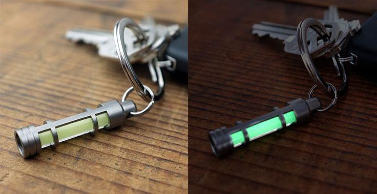 Glow Fob http://www.coolish.sk/sk/muzske-darceky/glow-ring-tricium-nekonecne-svetlo-zelene