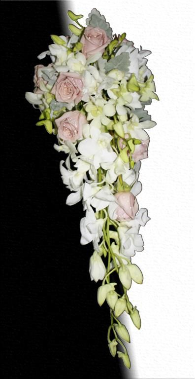 Teardrop bouquet-antique-roses