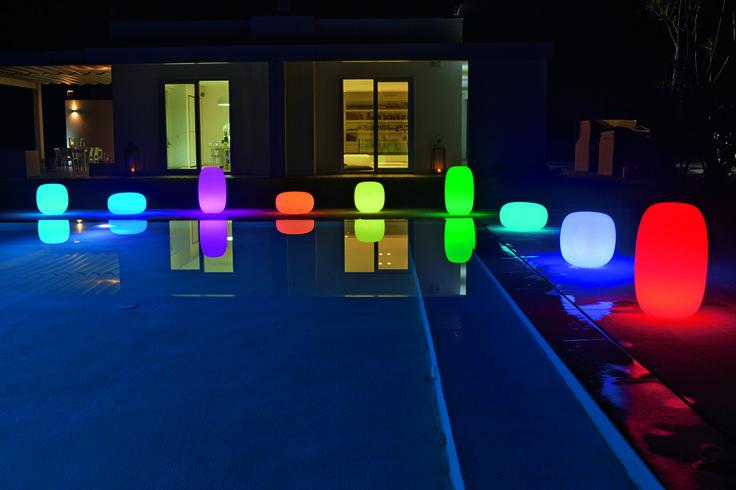 Sgabello da giardino luminoso #Pandora con luce RGWB e batteria. By #Myyour [www.viadurini.it]