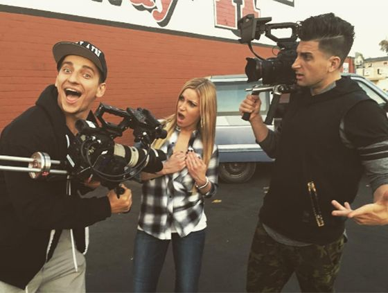 The entire YouTube prank community was shocked when Jesse Wellens, one half of PrankvsPrank, revealed that he has a secret teenager daughter that he's currently trying to locate. And while the 33-year-old's big news is perhaps the most OMG-worthy thing that'll come out of the month (or maybe even YEAR)