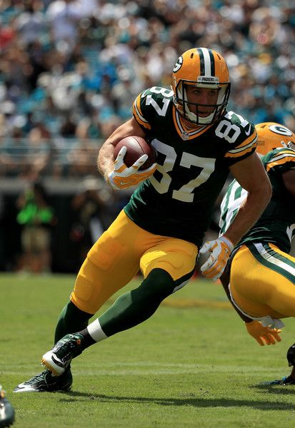 Jordy Nelson #87 of the Green Bay Packers gains yardage during the game against the Jacksonville Jaguars at EverBank Field on September 11, 2016 in Jacksonville, Florida.