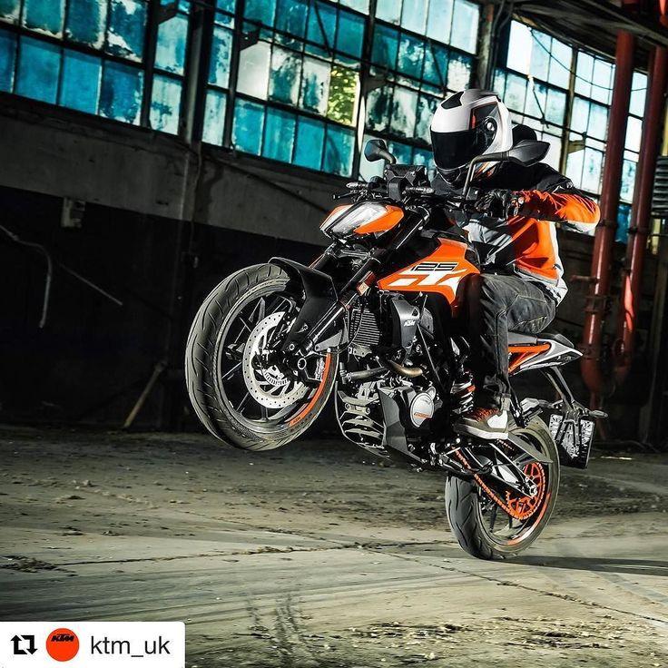 #wheeliewednesday courtesy of the new KTM 125 DUKE. See it for the first time in the UK at @motorcyclelive #KTM #125DUKE #KTM125DUKE https://www.instagram.com/p/BMnqRJohh6K/