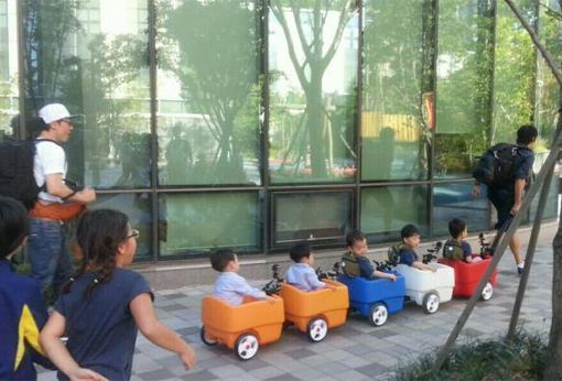 DaehanMingukManse the SongTriplets on a play date with LeeTwins