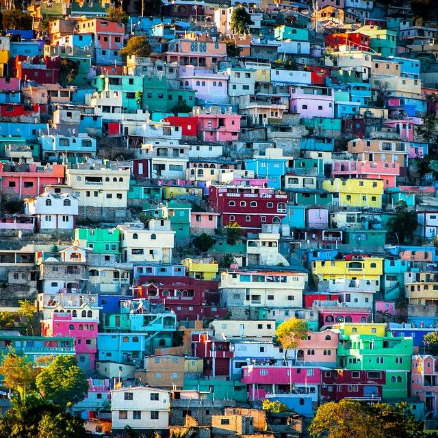#PortauPrince may not be the ideal vacation place, but it is certainly still a beautiful and colorful place! With buildings as colorful as these, i dont see how you could say it ISN'T still #wonderful!