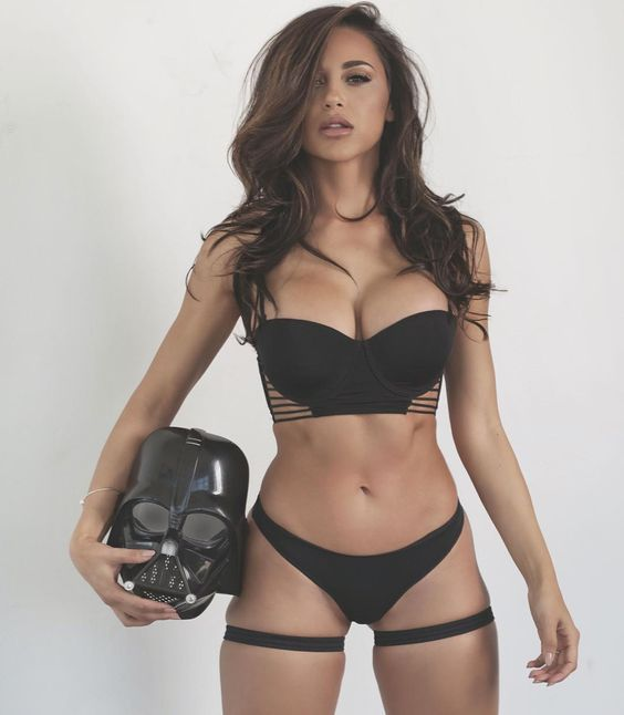 OK we all know we love Star Trek more than we do Star Wars but lets face it these girls might make you change your mind.