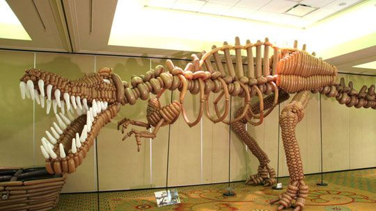 balloon creature? awesome: T Rex, Sculpture, Balloon Art, Birthday Parties, Balloon Dinosaurs, Skeletons, Trex, Clowns, Balloon Animal
