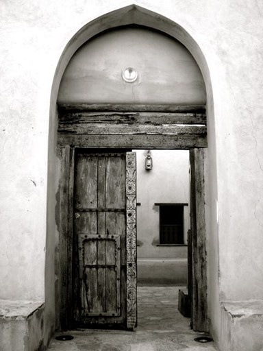 Oman.Arabian Night, Anniversaries Dreams, Arabian Inspiration, Omani Doors, Black And White, White Imagery, Wooden Doors, Ancient Doorway, Lifetime Opportunity