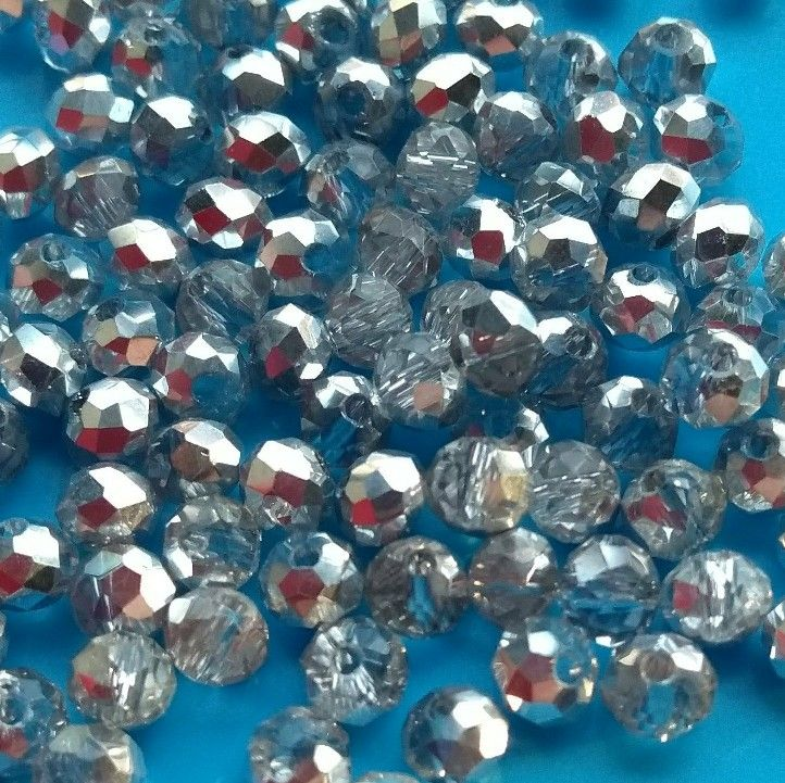 100 pcs lots of these clear and silver 4mm rondelle crystals are now added to my #etsy shop. Please take a look. Fiona #crystalbeads #clearbeads