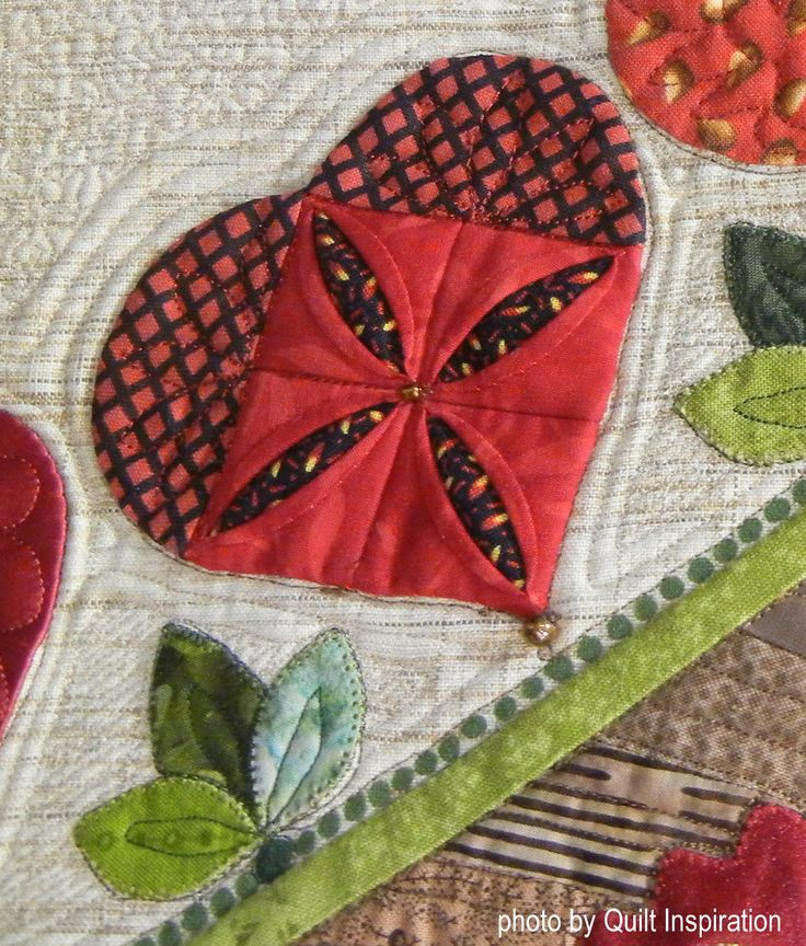 Celebration by Lynne Taylor (Cape Girardeau, Missouri).  photo by Quilt Inspiration.