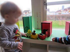 Vårt jobb med Babblarnas färg har gått vidare. Här har barnen fått arbeta med gul och grön färg i ateljén. Vi har använt oss a...