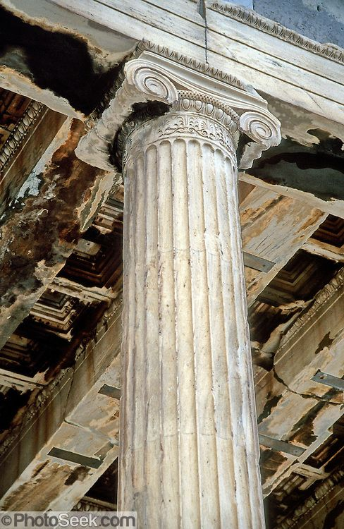 Ancient Roman and Greek Architecture: Comparison
