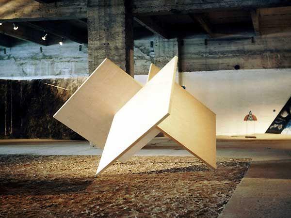 Lucien den Arend - Sculpture - perpendicular planes - here exhibited at Salon de la Jeune Sculpture - Port d'Austerlitz Paris 1984