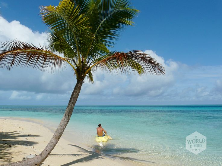 What to do op een tropisch eiland? Zo min mogelijk is de uitdaging, maar ben je geen stilzitter dan kan je op Leleuvia volleyballen, vissen, duiken en kajakken.