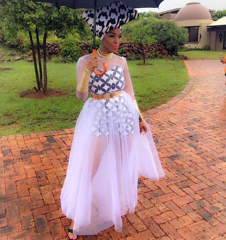 Chic! #streetstyle @nhlanhla_nciza #stylecapitalgh