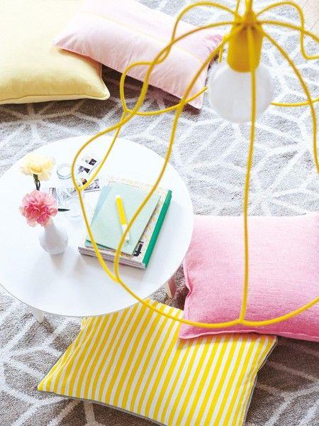 Der Sommer ist da! Aber nicht nur draußen wollen wir bunte Gute-Laune-Töne auch drinnen zieht das Sommerfeeling mit Accessoires in zartem Pastell ein.