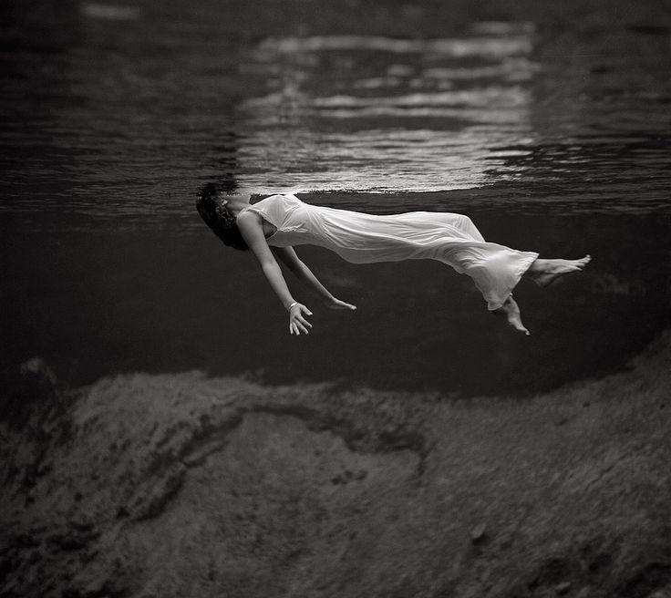 This compelling image of a model floating in the water at Weeki Wachee Spring, Florida was photographed by Toni Frissell and published in Harper's Bazaar in December 1947.