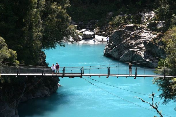 Hokitika Gorge, Kokatahi, New Zealand - The color of the water is...