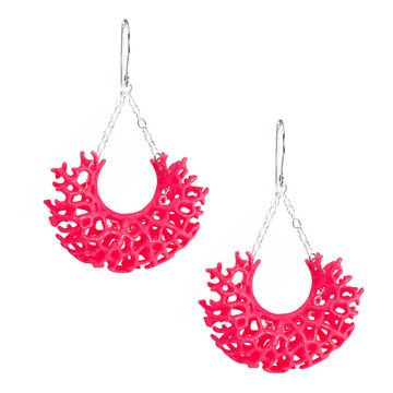 Nervous System: Vessel Earrings Neon Pink - I recently took a 3D printing workshop with Jessica and Jesse. They use computer simulations of biological processes as the basis for their designs.  http://n-e-r-v-o-u-s.com/