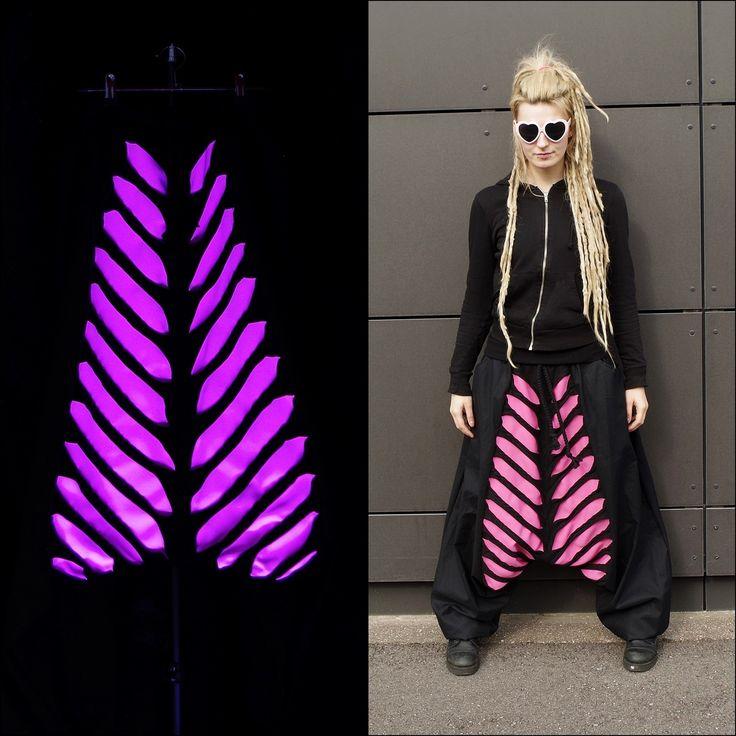 UV active harempants  #harempants #blacklight #uvactive #handmade #germany #fashion #deutschland #festival #psytrance #techno #haremshose #schwarzlicht #hippie #dreadlocks #dreadgirl