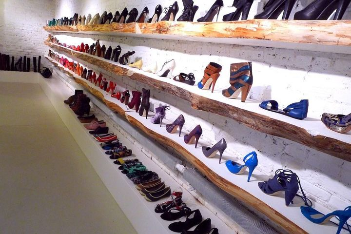 17 best ideas about shoe store design on pinterest shoe shop fashion store display and. Black Bedroom Furniture Sets. Home Design Ideas