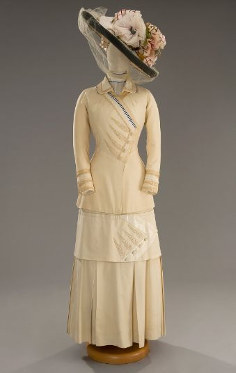 1912 Tirelli dress....blazers with long skirts...add lace, hat.. I love this hat!!