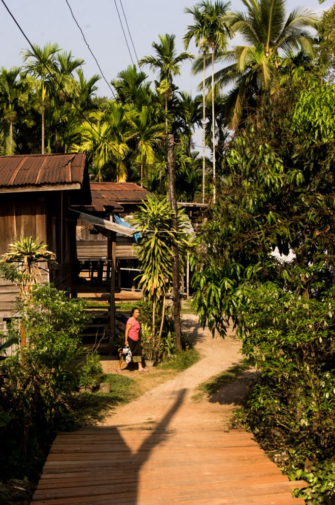 Tha Khaek, Laos