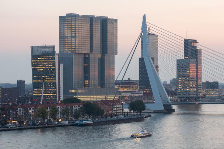 """El complejo """"De Rotterdam"""" en la ciudad holandesa tiene de todo: apartamentos, habitaciones de hotel, oficinas, tiendas, restaurantes, un cine, un centro de fitness, plazas de párquing y Geberit Pluvia para evacuar las aguas pluviales sin riesgo de goteras."""