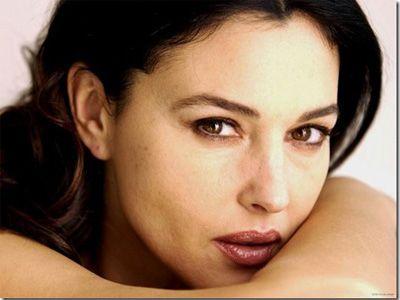 7 Selebriti Dengan Bibir Terseksi Di Dunia