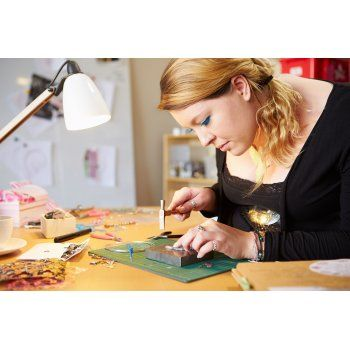 Use discount code PIN29 and get this Jewellery Making Course for just £29.00 (Usually £330.00)
