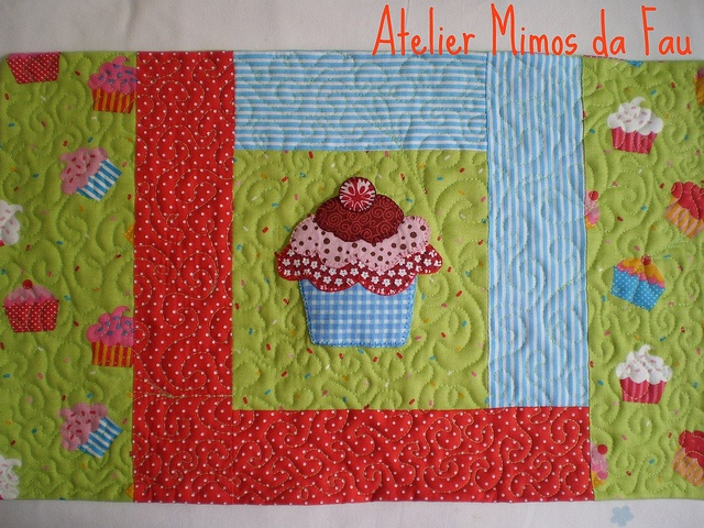 Jogo Americano Cupcake by Atelier Mimos da Fau, via Flickr: Of Pampering, Quilt, American Game, Creative Sewing