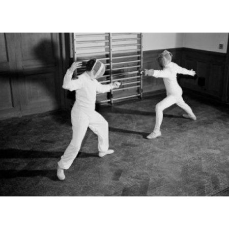 Woman and man fencing Canvas Art - (18 x 24)