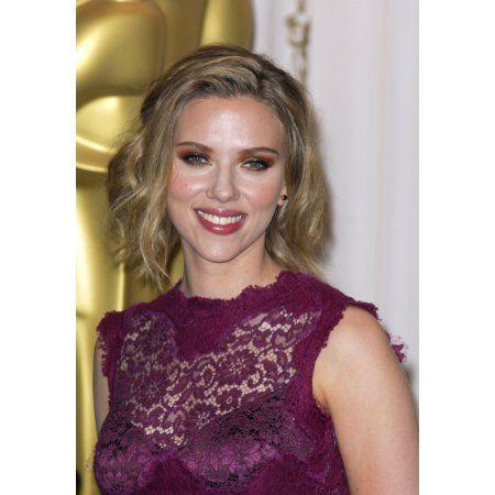 Scarlett Johansson In The Press Room For The 83Rd Academy Awards Oscars - Press Room Canvas Art - (16 x 20)