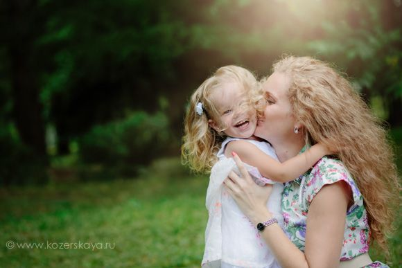 Семейный фотограф {Семейная фотосессия мамы с дочкой}