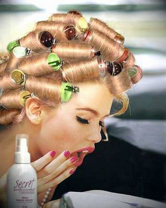Such A Beautiful Blond Shemale In Curlers I Simply Love