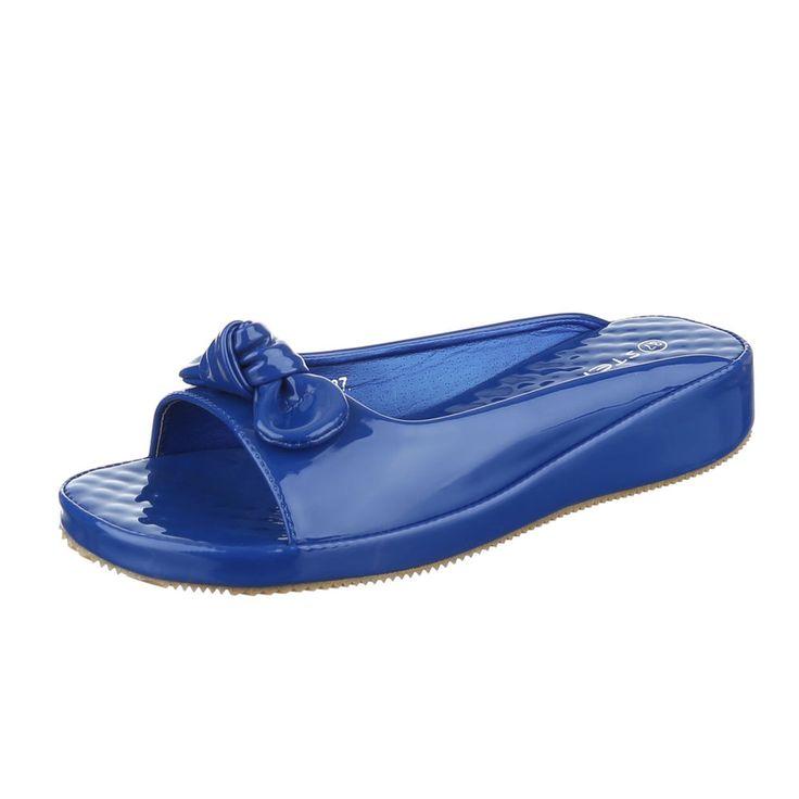 Diese schicke Sandale mit Schleifen-Deko auf dem Blatt ist ein bequemer Begleiter im Alltag.