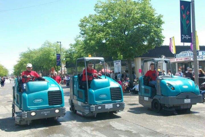 Tennant M20, T20 y S30 en Holland Parade (Michigan)
