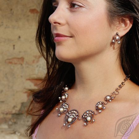 Antiquated copper necklace and earrings with pearls; by Nady; photo by Monika Hulova