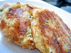 楽天が運営する楽天レシピ。ユーザーさんが投稿した「モチモチおからチーズ焼き」のレシピページです。おからがモチモチになってボリュームもあって立派な1品になります♪。おから焼き。おから,片栗粉,牛乳,干し海老,とろけるチーズ,ねぎ,鶏がらスープの素,サラダ油