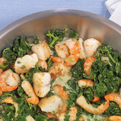 Diese edle Pfannengericht können Sie nach Belieben auch ohne Fisch oder ohne Garnelen zubereiten. Ebenso köstlich!