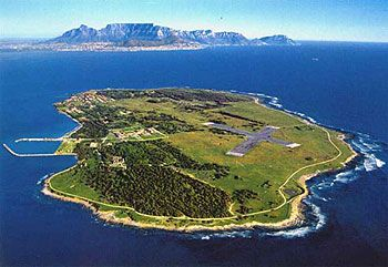 Robben Island to lean about the historic life of Nelson Mandela. #GoSeeSouthernAfrica