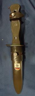 Alemania. Cuchillo de Combate de la Bundeswehr con calcomanía de ...
