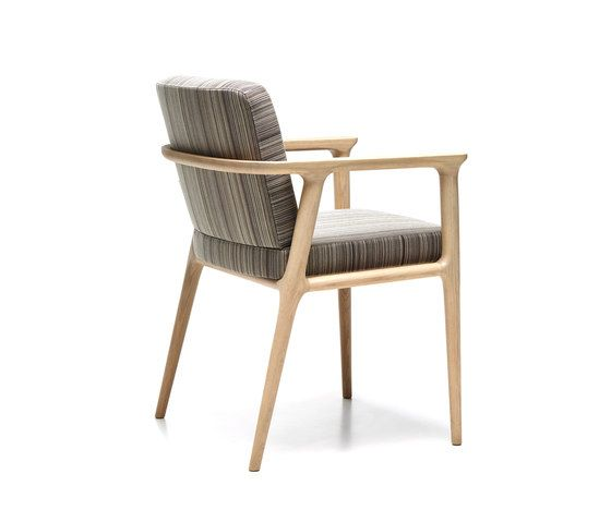 zio dining chair by moooi   Restaurant chairs