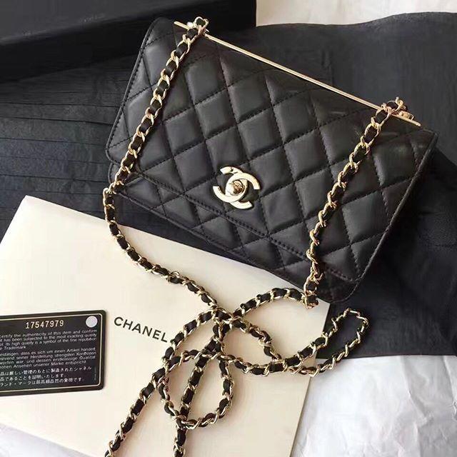 【bestandfashion】さんのInstagramをピンしています。 《LINE ID:  aimee.319 DMよりラインの方が早いです。 2つ以上の購入は追加割引可能。 基本付き品:1。財布 : 専用箱、専用袋、Gカード、該当ブランドのショッパー 2。バッグ : 専用袋、Gカード、該当ブランドのショッパー #chanel#シャネル#パロディ#ルブタン#dior#ルイヴィトン#夏#雨#ラブ#グッチ#サンダル#靴#スニーカー#コピー品#バーキン#エルメス#サンローラン#セリーヌ#ラゲージ#クロムハーツ#バレンシアガ#東京#j12#大阪#カルティエ#ロレックス#時計#旅行#海#kn chanel》