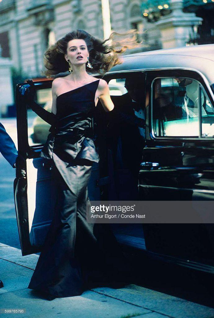 News Photo : Model Paulina Porizkova, stepping from car,...